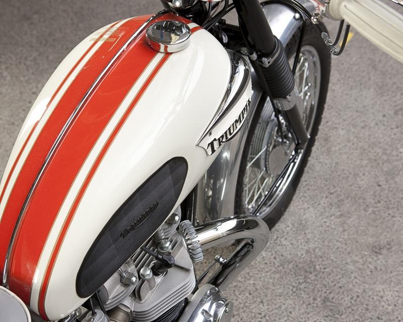 Отреставрированный мотоцикл Triumph TT Special T120C 1966