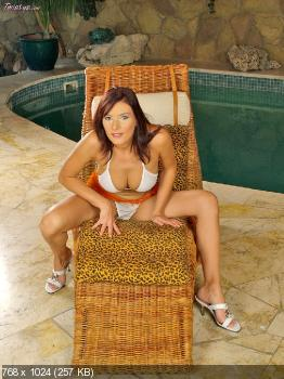 Sexy debby ryan nude