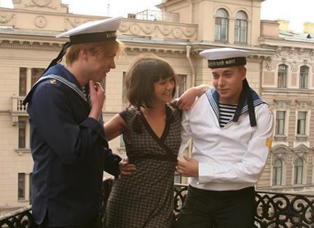 Два изголодавшихся за сексом морячка