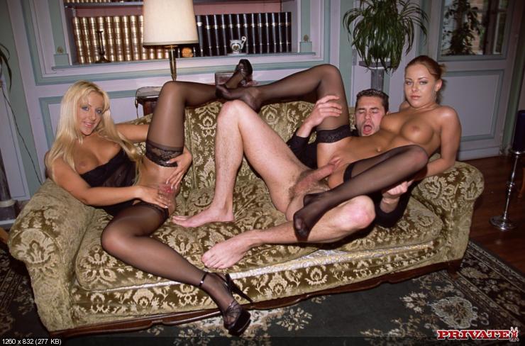Секс фото. . Большие члены. . Порно со звездами. . Две сучки.