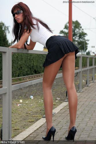Телки в коротких юбках фото 54293 фотография