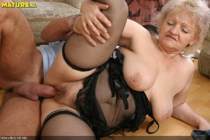 Бесплатно порно фото пожилых женщин