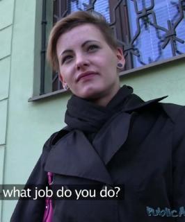 Short Haired Woman Fucks Stranger For Cash In His Car - PublicAgent E286 (2015) FullHD 1080p